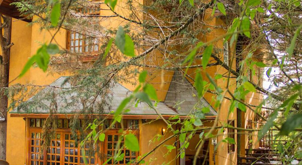 Fachada Pousada La Toscana