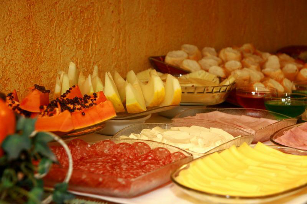 Café da Manhã Pousada Santha Serra