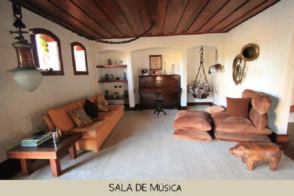 area_social_sala_de_musica-1.jpg
