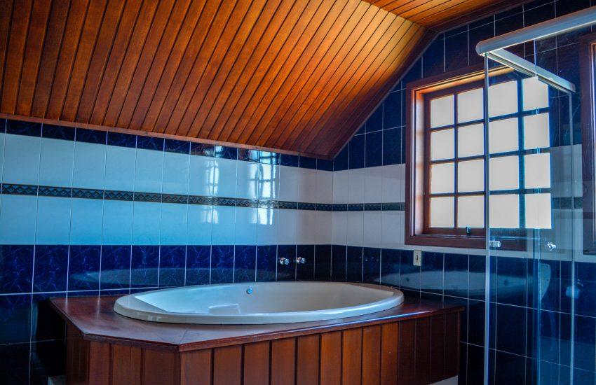 banheiro-pousada-lucerna-campos-do-jordao