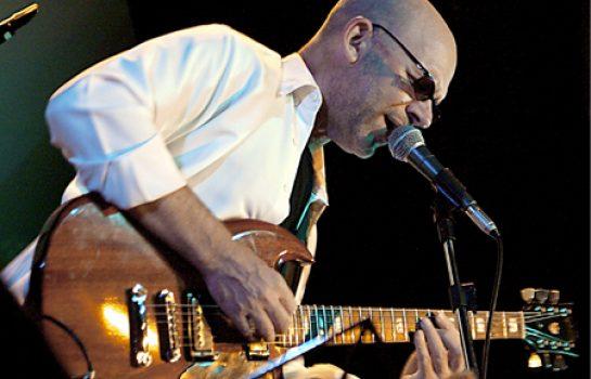 Nuno Mindelis é uma das atrações do Festival de Blues em Campos do Jordão