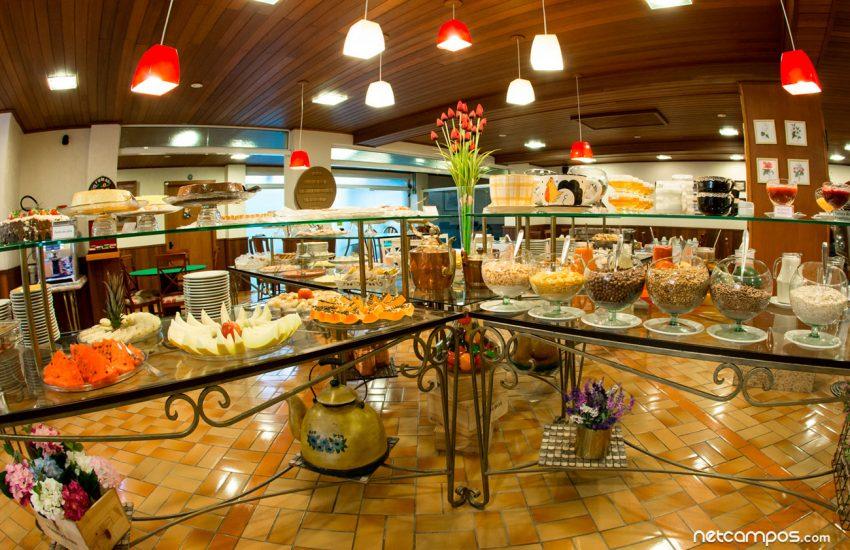 buffet-cafe-manha-flat-hotel-palazzo-reale