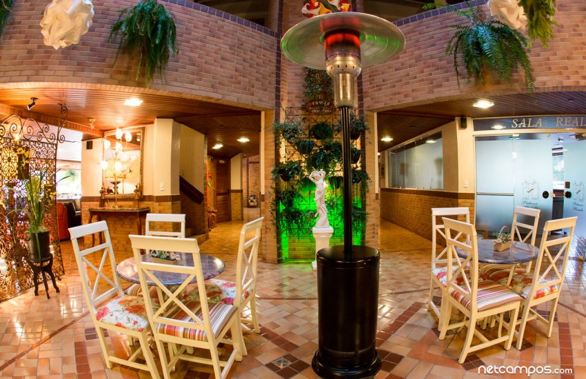mesas-bar-flat-hotel-palazzo-reale