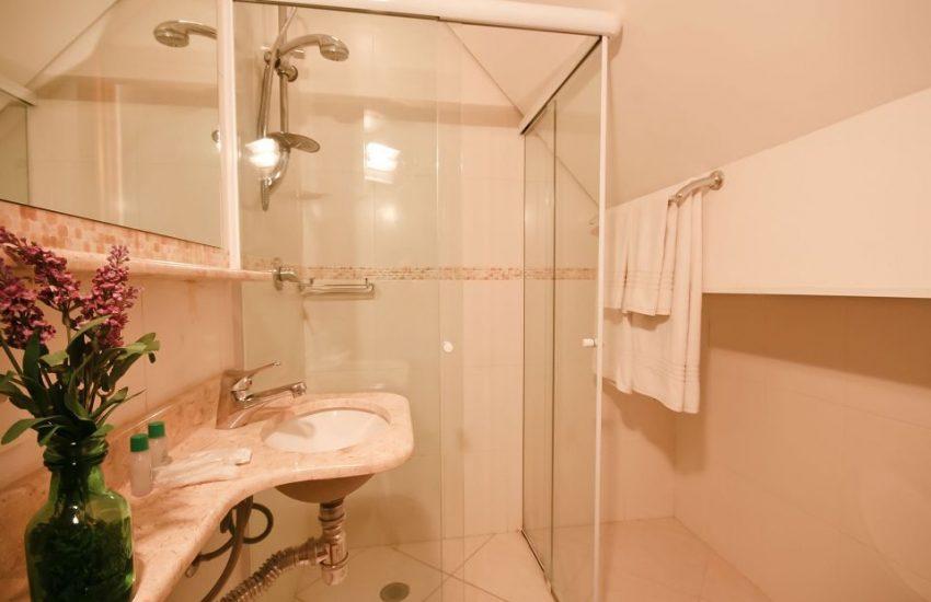 banheiro-campos-dos-holandeses-campos-do-jordao-01