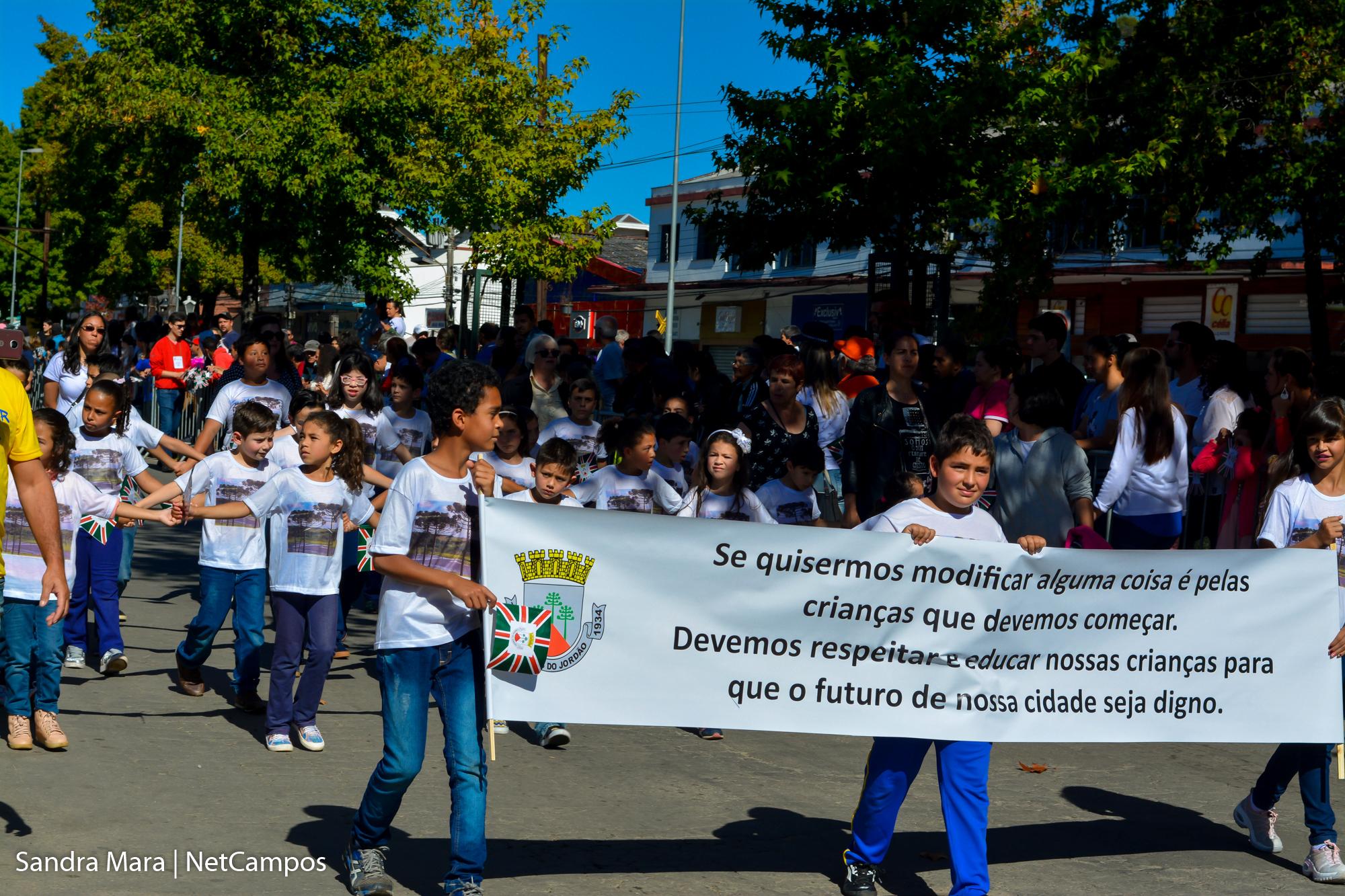 desfile-civico-campos-do-jordao-40