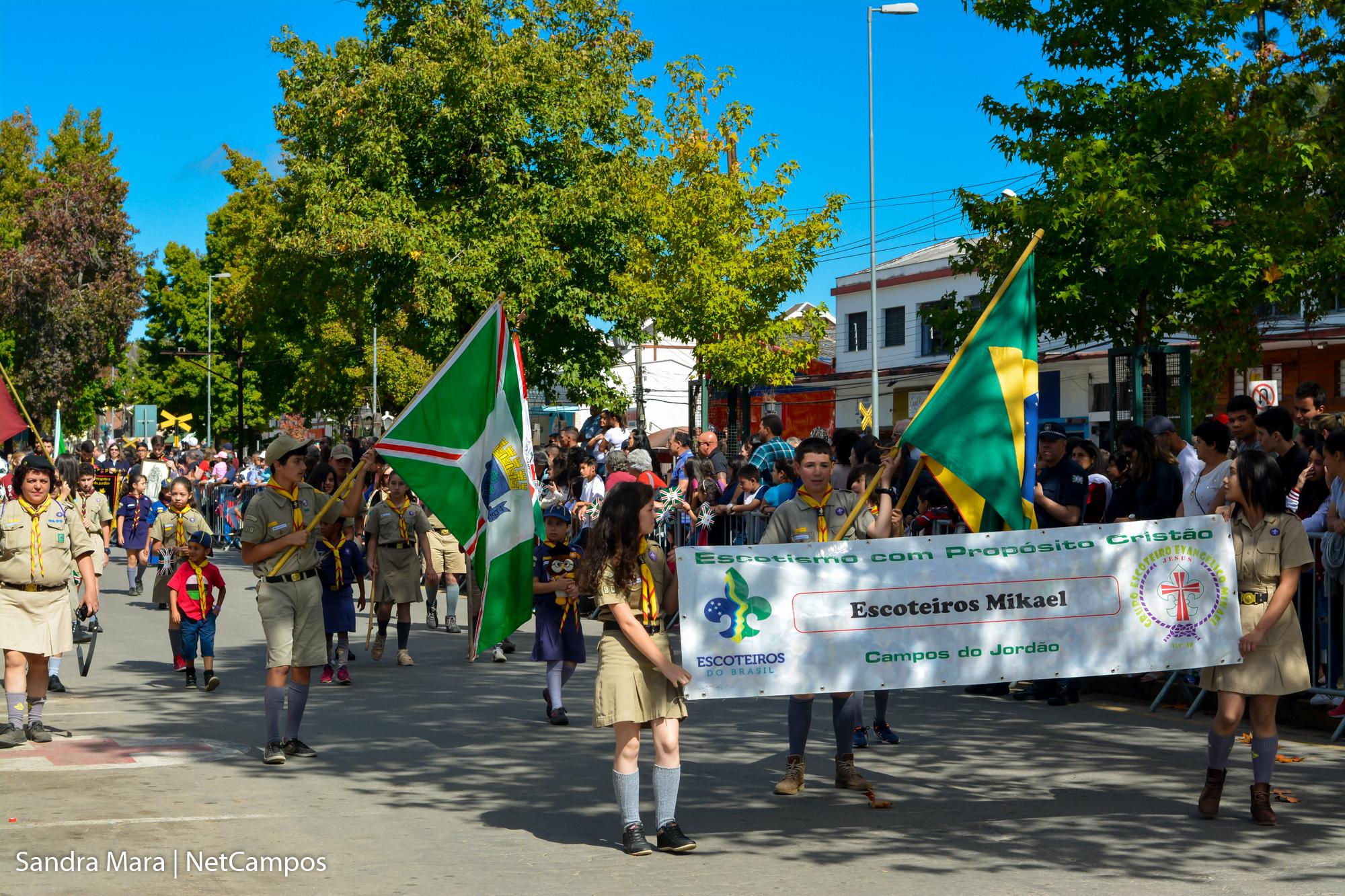 desfile-civico-campos-do-jordao-122