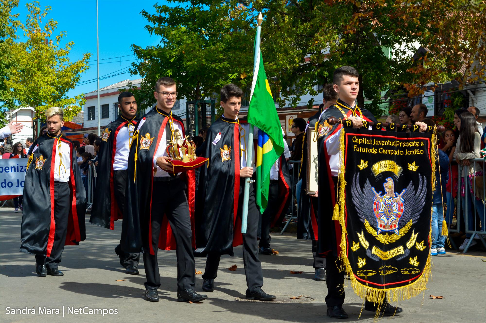 desfile-civico-campos-do-jordao-125