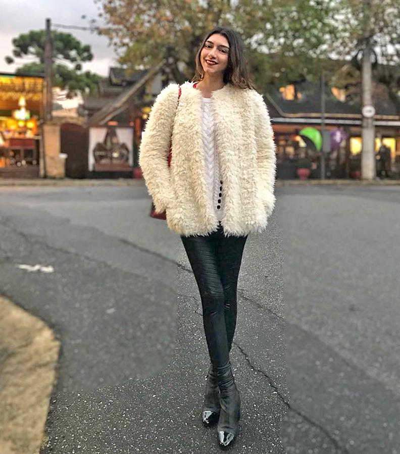 d6fe6ea4d Para entender melhor sobre as tendências da moda Outono/Inverno 2018, fomos  falar com Patrícia Maronês, que usa seu Instagram para dar dicas de roupas  ...