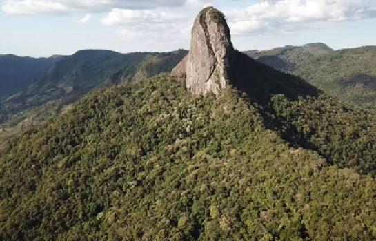 Pedra do Baú e Ana Chata