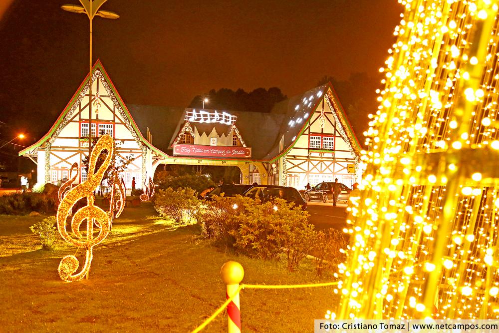 porta-iluminado-natal-2018_7