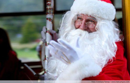 Trem do Papai Noel é atração no Natal em Campos do Jordão
