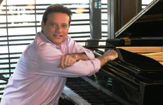 Pianista e cantor Claudio Goldman faz duas apresentações em Campos do Jordão