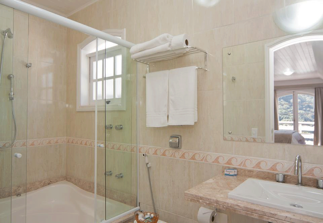 banheiro-pousada-dos-pinguins-campos-do-jordao-02