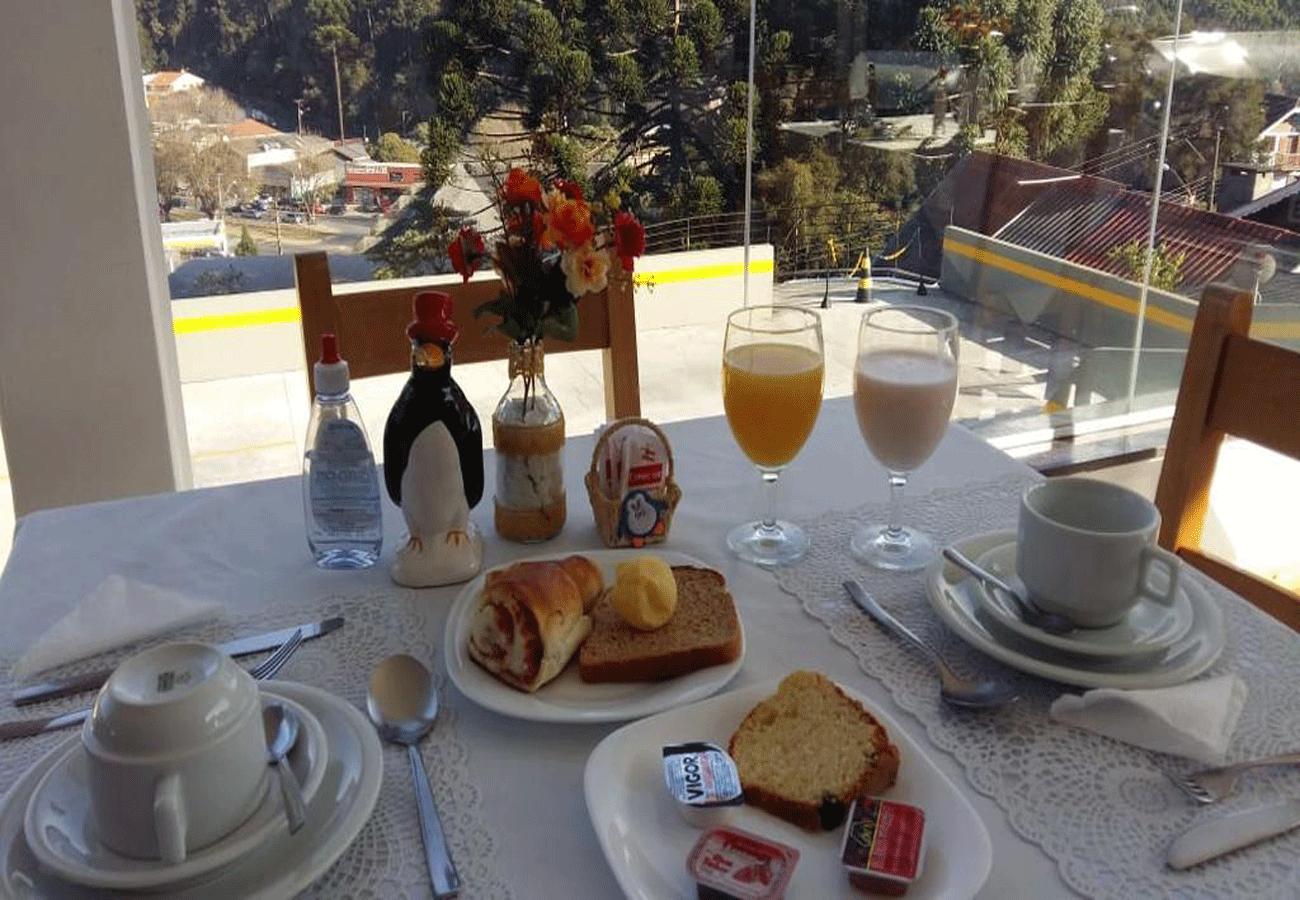 cafe-da-manha-pousada-dos-pinguins-campos-do-jordao-02