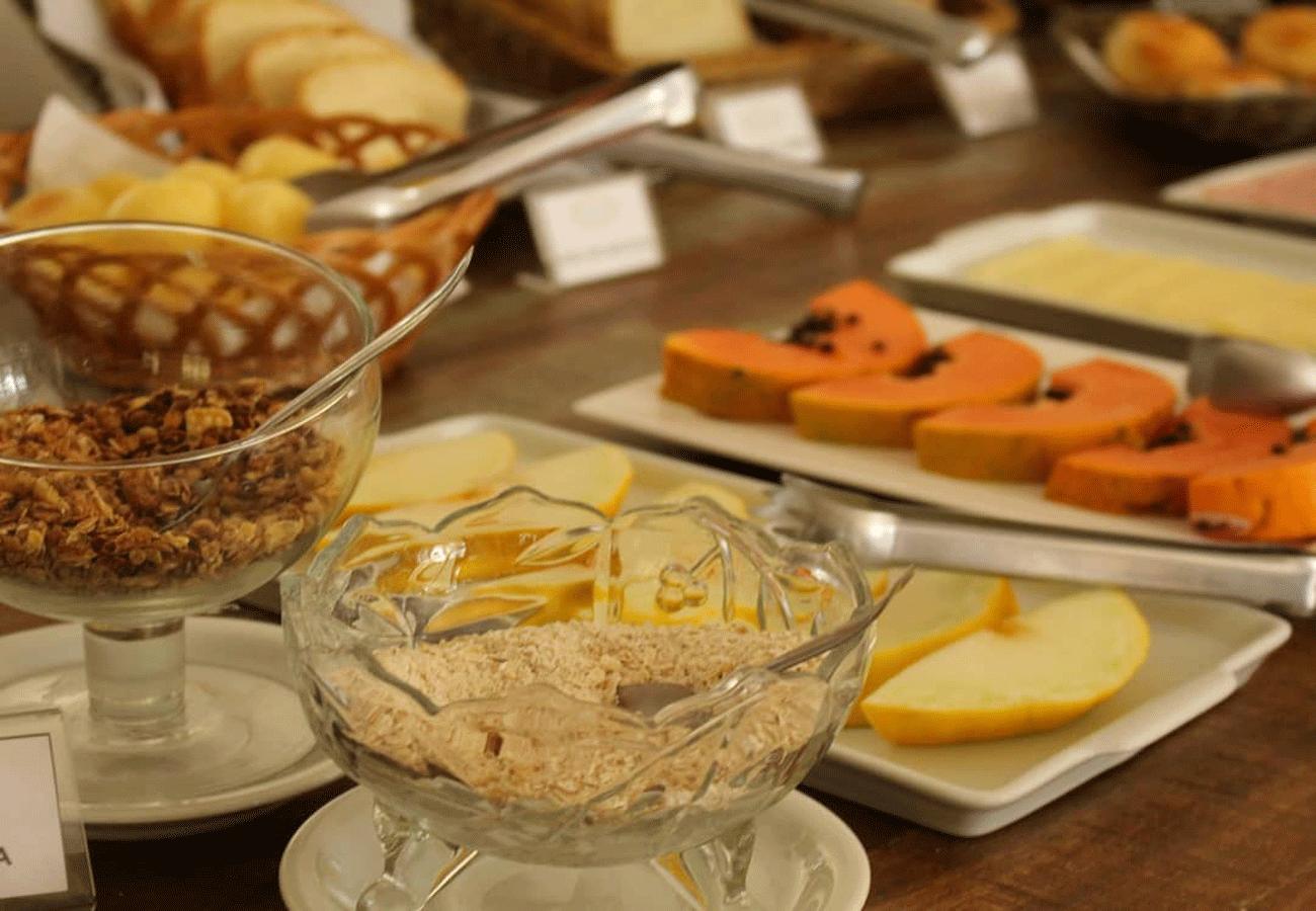 cafe-da-manha-pousada-vila-floratta-campos-do-jordao-01