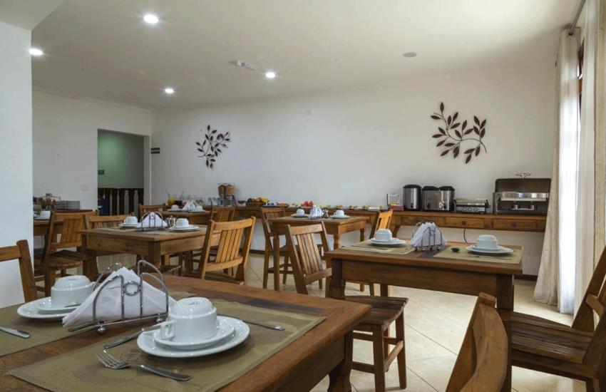cafe-da-manha-pousada-vila-floratta-campos-do-jordao-04