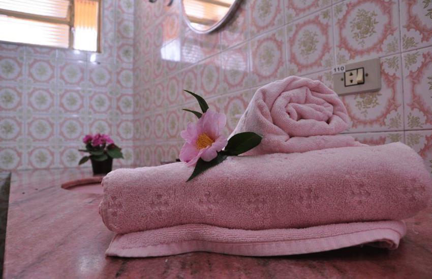 banheiro-pousada-curumi-campos-do-jordao-02