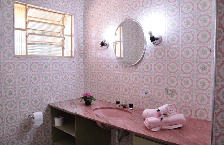 banheiro-pousada-curumi-campos-do-jordao-03