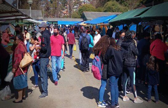Sábado é dia de feira em Campos do Jordão